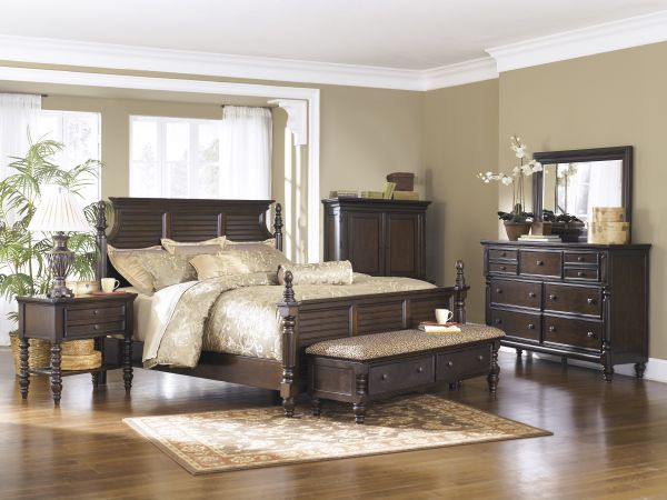 Barnaclo 4pc Queen Bed Set 2 299 99 Sku 107530 The Barnaclo Is A Sophisticated Traditional Style Ornate Detailing Throug Bedroom Panel Bedroom Set Furniture