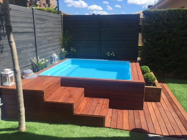 Resultado de imagem para piscina de fibra com deck alto - Fotos de casas con piscina ...