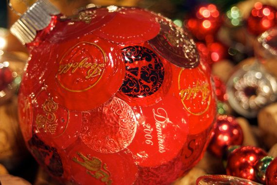 Wine lover's wine foil ornament with all red wine foils