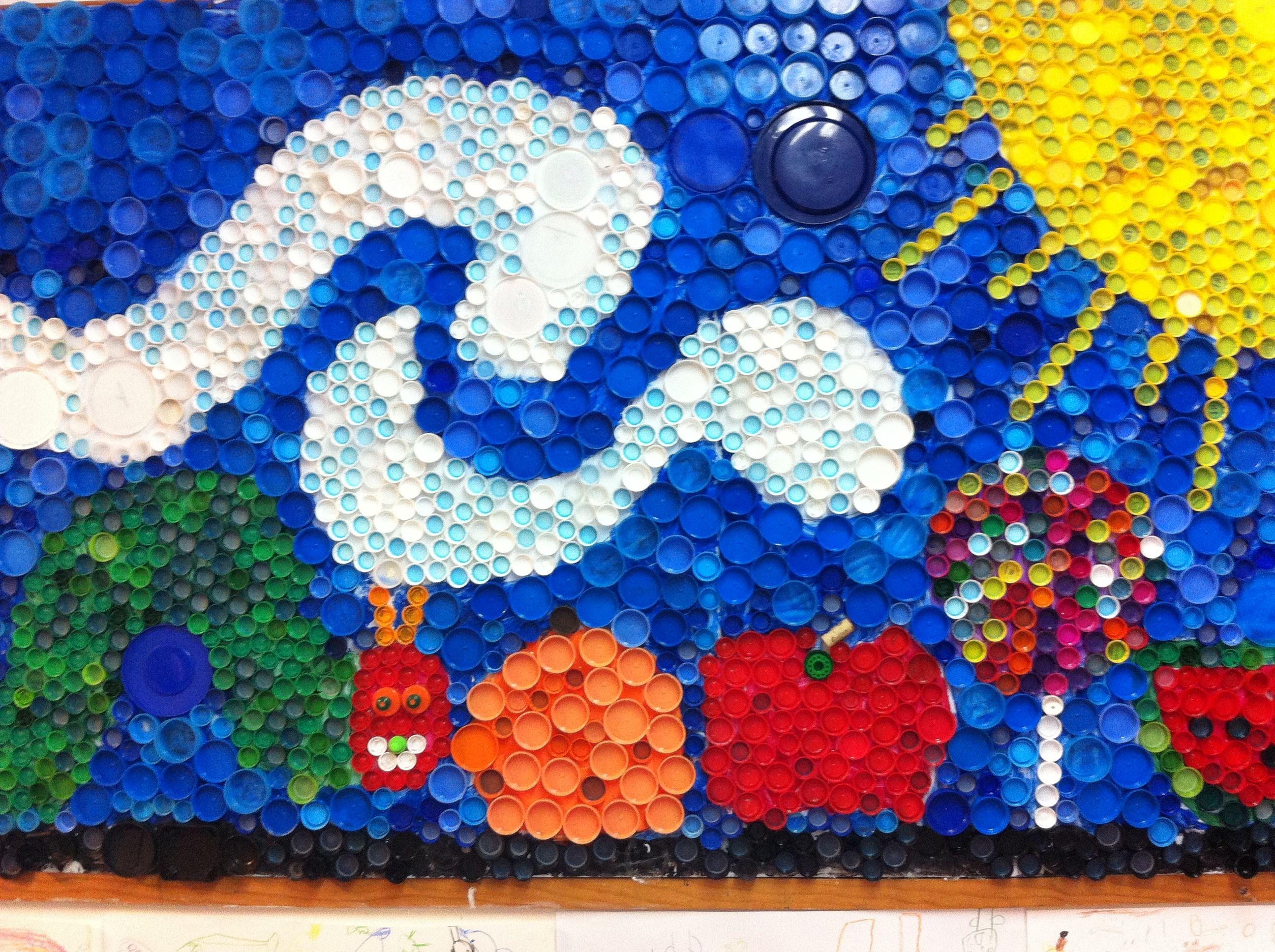 Mural realizado con tapas pl sticas en el centro educativo for El mural guadalajara