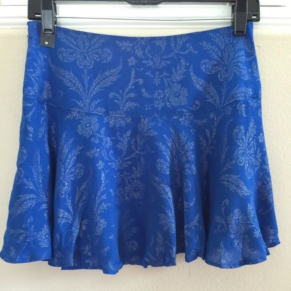 """Selling this """"*new* Abercrombie&Fitch Blue Floral Skirt"""" in my Poshmark closet! My username is: luvlym. #shopmycloset #poshmark #fashion #shopping #style #forsale #Abercrombie & Fitch #Dresses & Skirts"""