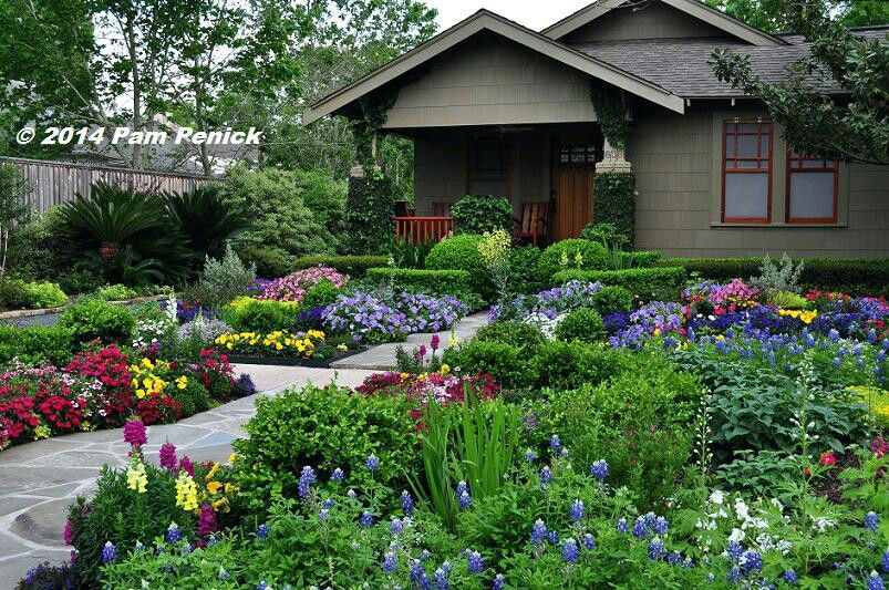 Pin By Flowers In Heart On Houses Front Garden Design Front