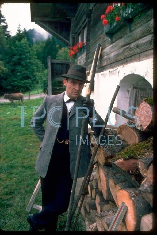 Sigh Sherlock Holmes Elementary Jeremy Brett Sherlock Holmes Jeremy Brett