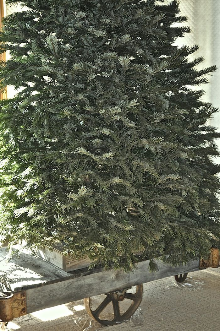 Christmas Tree Riser Omero Home Christmas Tree Tree Christmas Tress