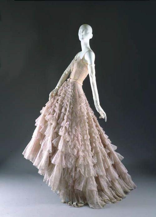 "dc525954bbb51 Christian Dior ""Eugénie"" dress ca. 1948 via The Costume Institute of the  Metropolitan Museum of Art"