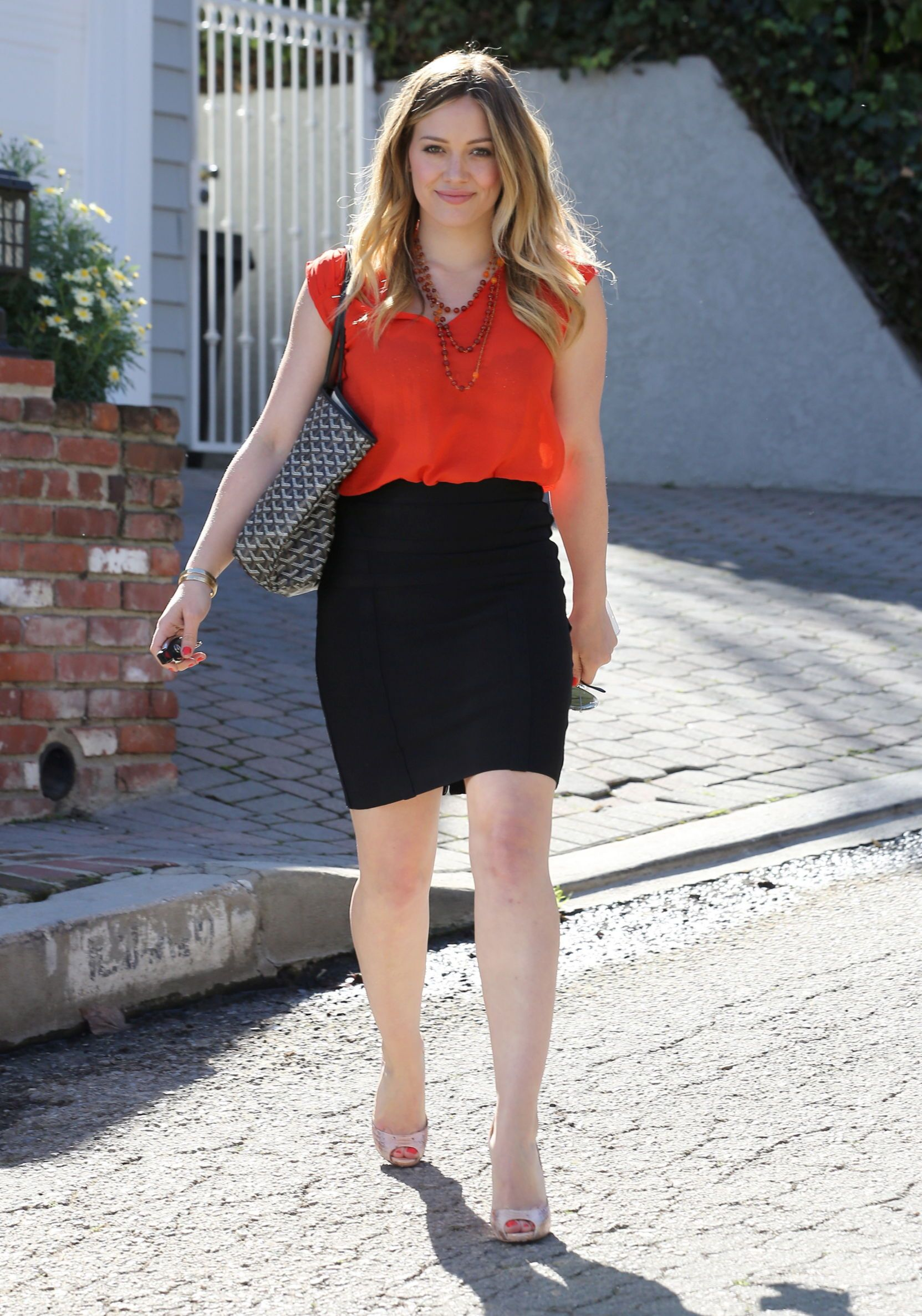 Hilary Duff Strappy Sandals Shoes Lookbook StyleBistro