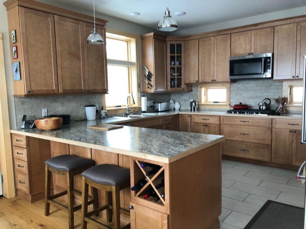 Thomasville Classic Cottage Maple Macaroon In 2020 Kitchen Cabinets Home Depot Maple Kitchen Cabinets Kitchen Design