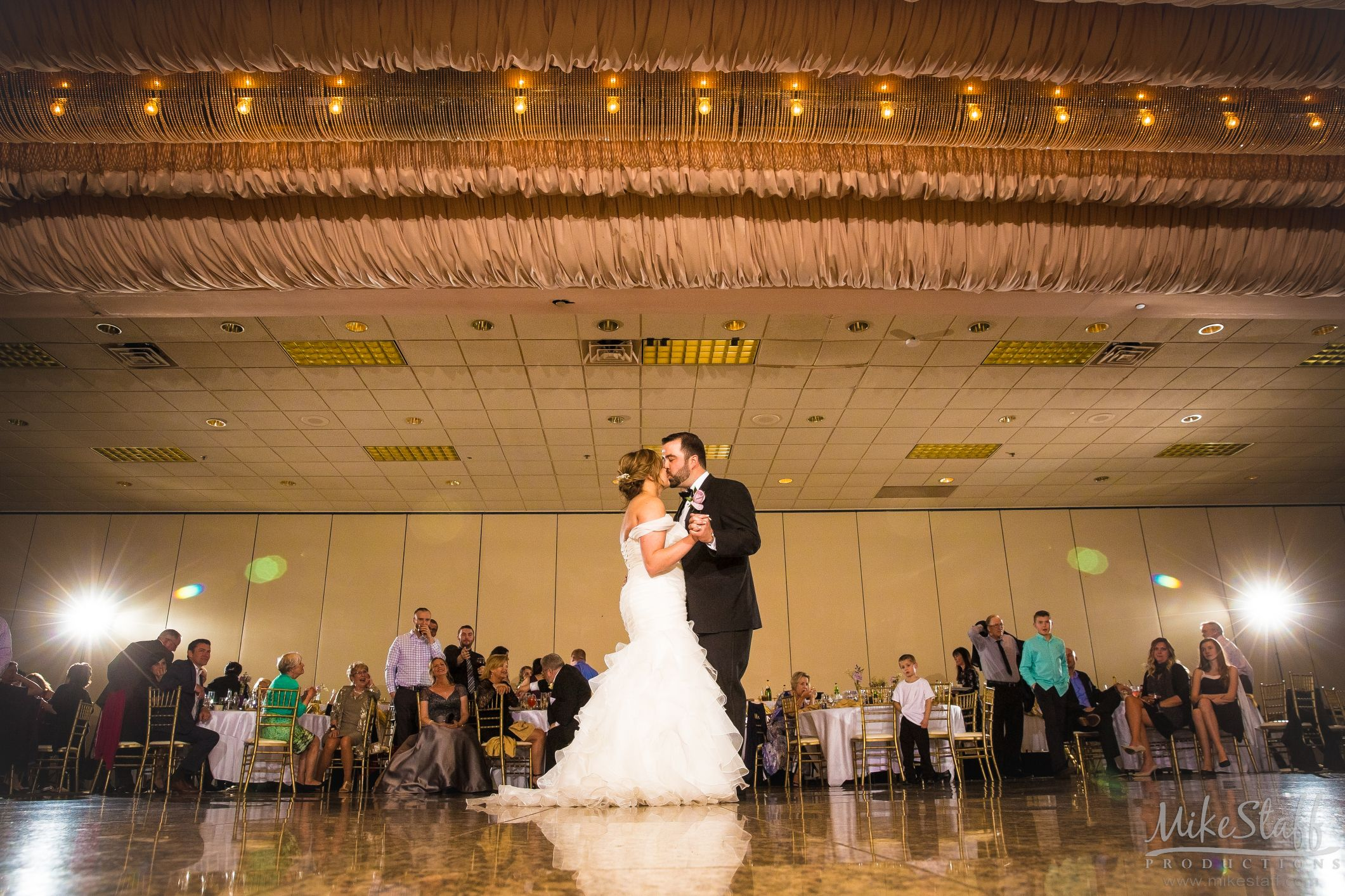 Have You Read How To Hire A Great Dj Wedding Reception Music Wedding Reception Photography Michigan Wedding Reception