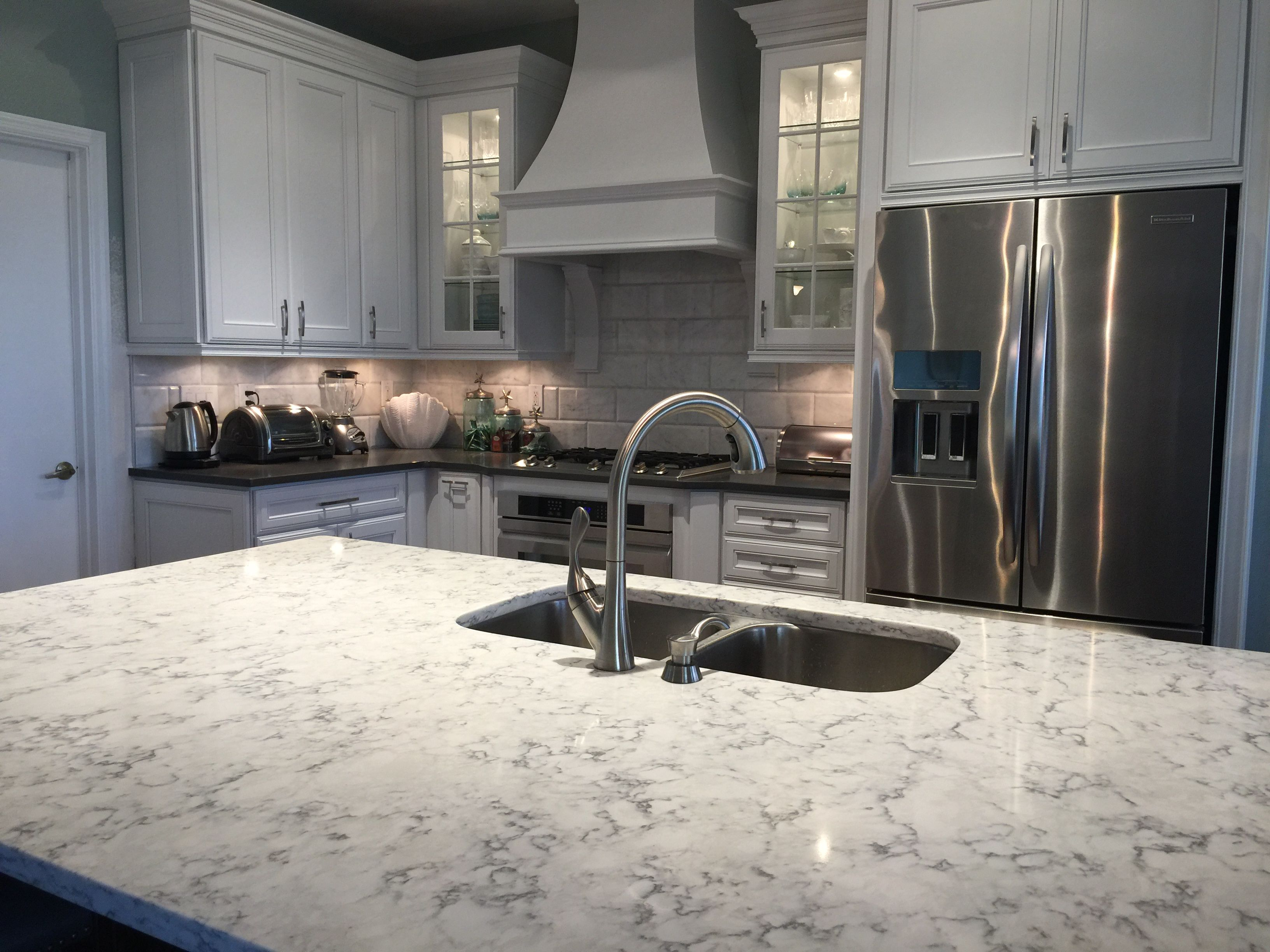 Quartz Countertop Viateralg Hausys In Rococo Dawn's Mesmerizing Kitchen Counter Top Design Decoration