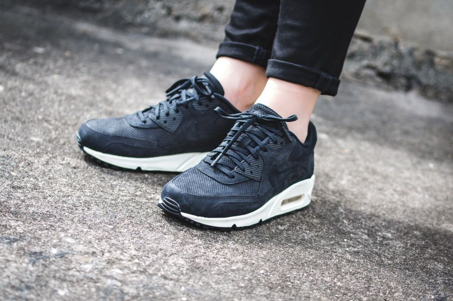 wmns nike air max 90 pinnacle