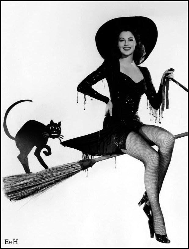 Vintage Hollywood Starlets Dress Up