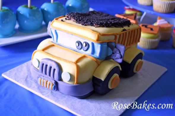 How to Carve a Dump Truck Cake Tutorial:  Click over for a photo tutorial of how to carve this cake!  by: rosebakes