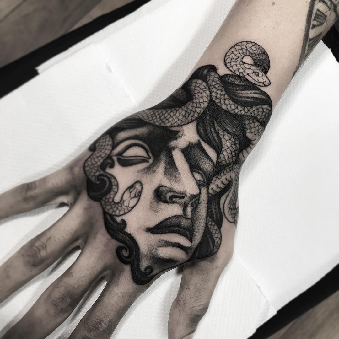 Medusa Tattoo Design On Hand Hand Tattoos Medusa Tattoo Medusa Tattoo Design