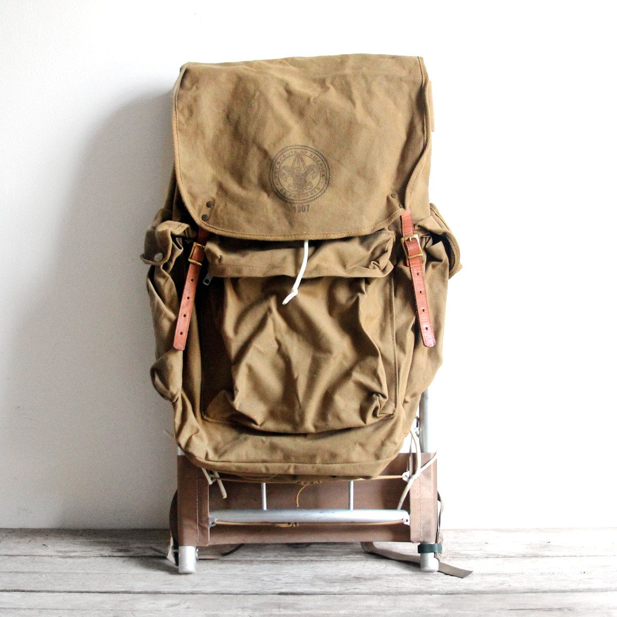 f6c5563bec93 Vintage boyscout hiking backpack
