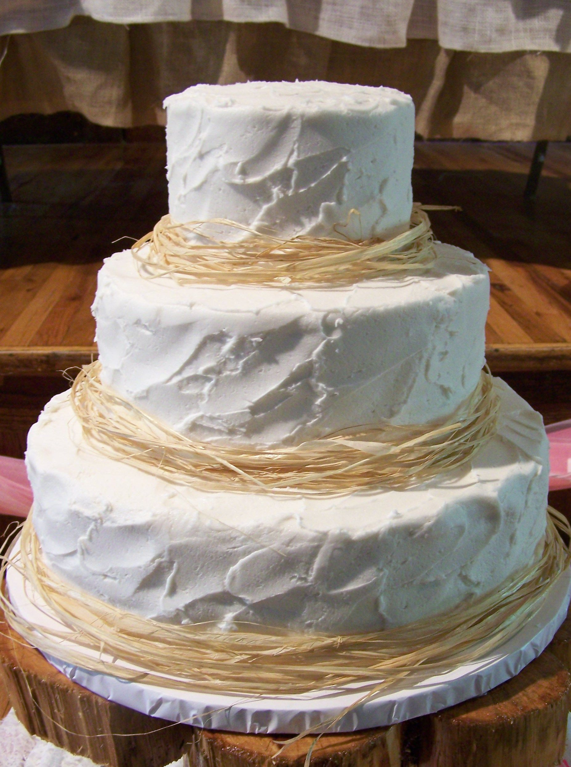 Decorating With Raffia Rustic Wedding Cake With Raffia Borders Wedding Cakes By Sherry