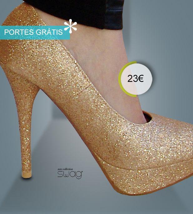 <3 NOVIDADE SWAG <3 Sapato modelo GOLD! purpurinas douradas  Disponível do 35 ao 41. Altura do tacão 14 cm. /// Altura da cunha: 3 cm O glamour em forma de sapato! PORTES À COBRANÇA GRÁTIS!  www.facebook.com/swaglowcost