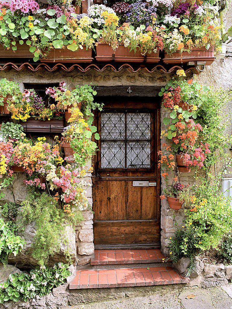 flower cottage antibes provence france portes provence et fleuri. Black Bedroom Furniture Sets. Home Design Ideas