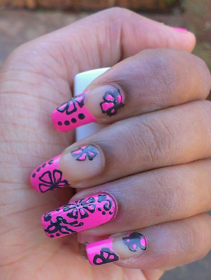 Add a fusion of beautiful colors & design on your nails. After all, they are the most noticeable cut of beauty.
