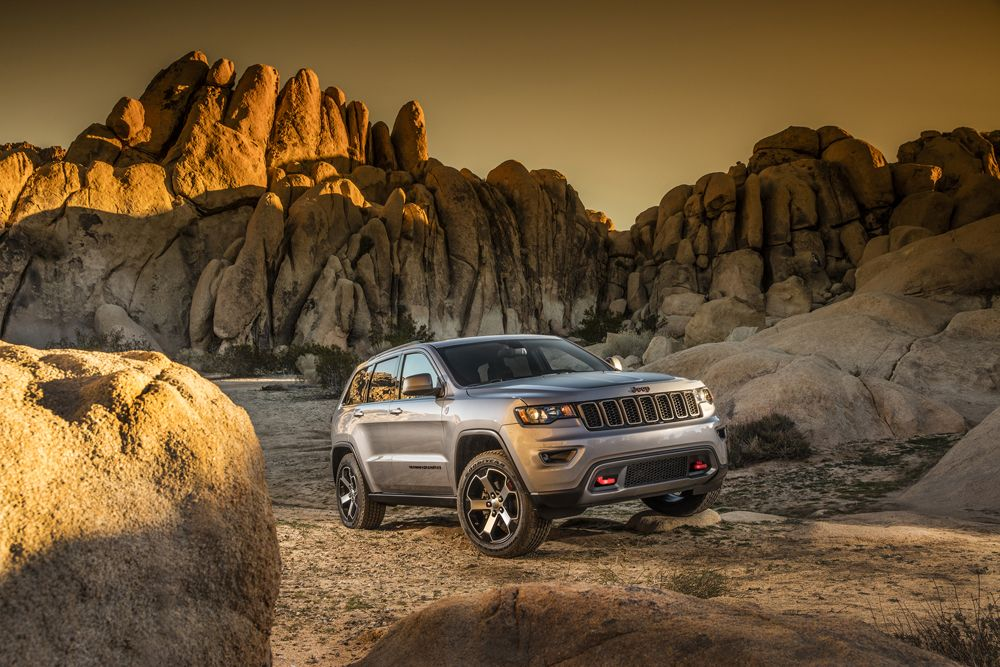 2017 Jeep Grand Cherokee Trailhawk New Details Photos Grand Cherokee Trailhawk 2017 Jeep Grand Cherokee Jeep Grand Cherokee