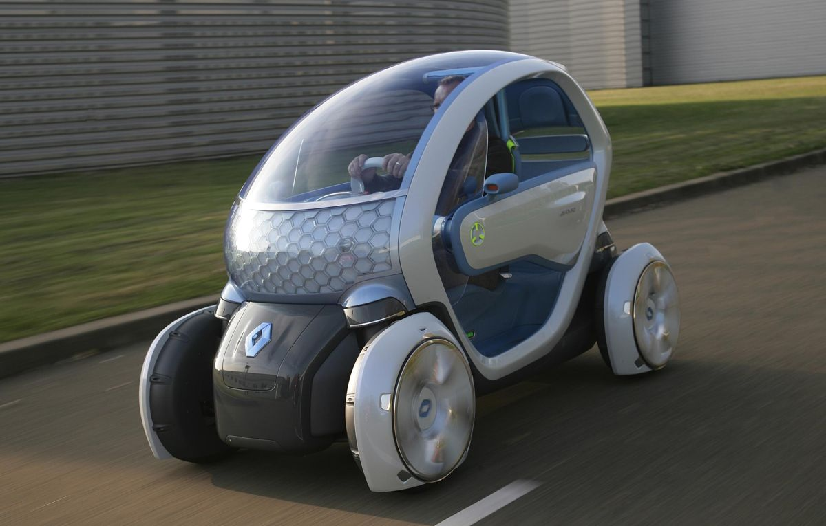Renault Twizy 80 Production Electric 3 Wheel Car Made In France Available Now In The Uk For 6 690 Plus A Monthly Battery Lease Of 45 Renault Toy Car Car
