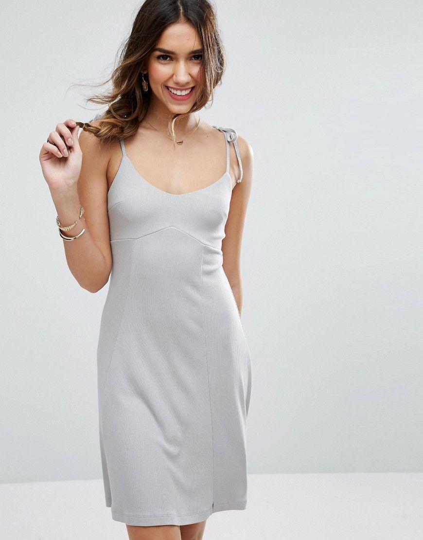 ASOS - Schwingendes Strandkleid im Camisole-Stil - Grau Jetzt bestellen  unter  https  ad2722b166