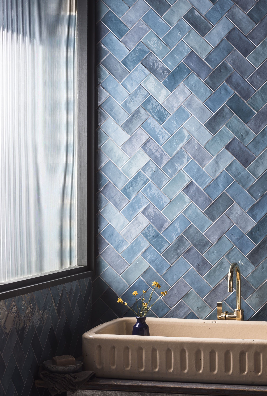Zellige Nouveau Ocean Blue Metro Gloss Ceramic Tile In 2020 Badezimmer Gestalten Innenarchitektur Badezimmer Fliesen