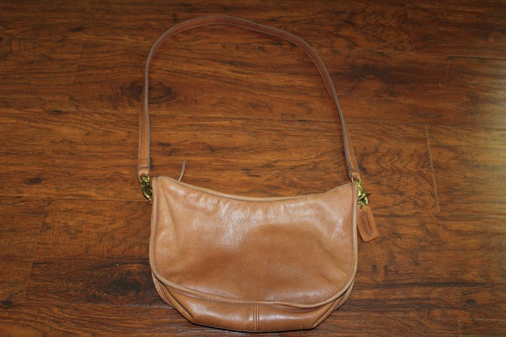 Coach Vintage Brown Messenger Leather Shoulder Bag Made In USA 027-6828 #Coach #MessengerCrossBody