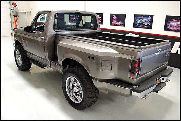 1992 Ford F150 Short Bed 4x4 Pickup 5 0 302 Hp Automatic Mecum Auctions Ford F150 Lifted Ford Trucks F150
