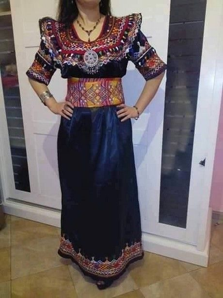 Robe kabyle broderie a la main 2017