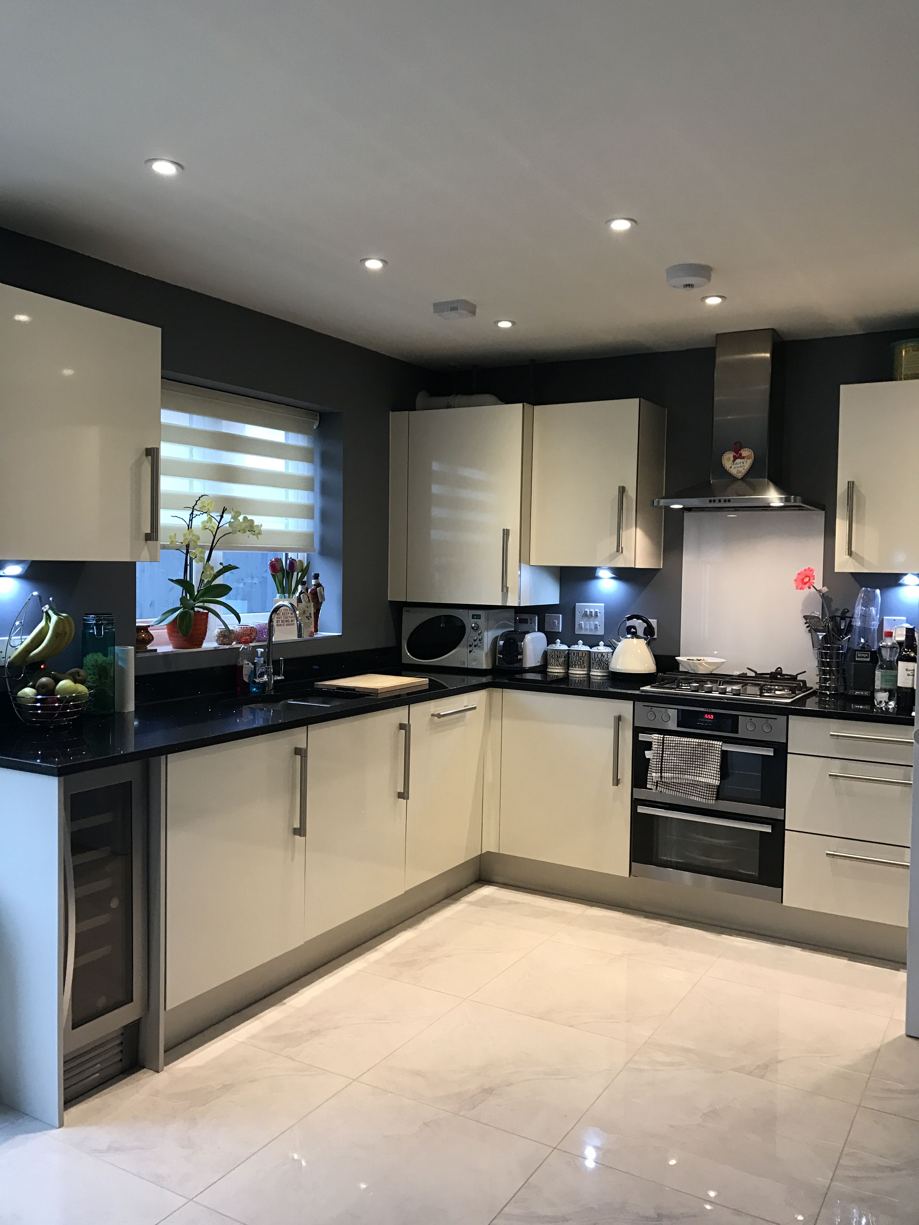 Battleship Dark Grey Kitchen Cream Gloss Cupboards Granite Worktop White Gloss Kitchen White Kitchen Cupboards Kitchen Design Modern White