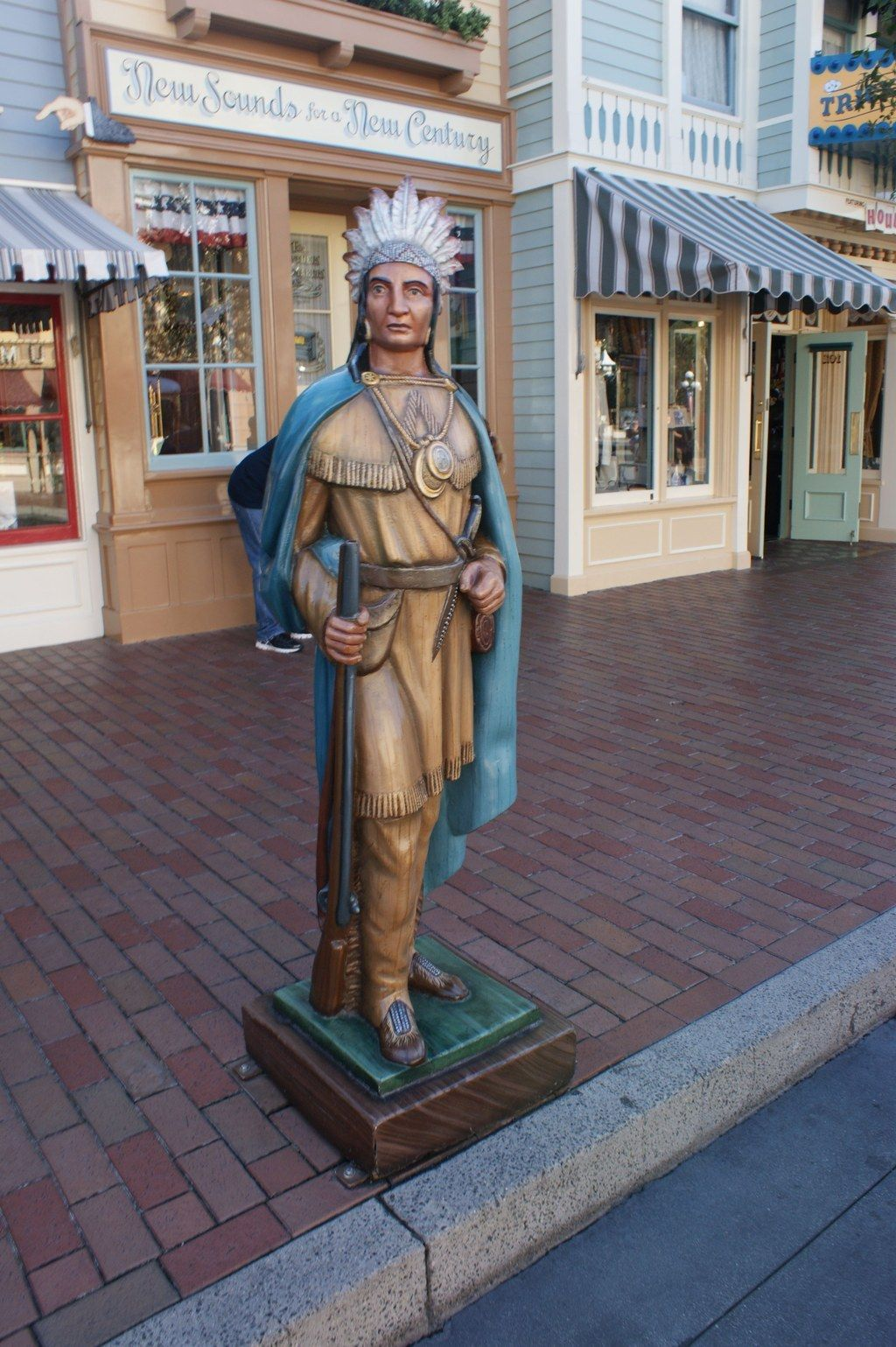 Indian Smoke Shop >> There S A Cigar Store Indian From When There Was A Smoke Shop