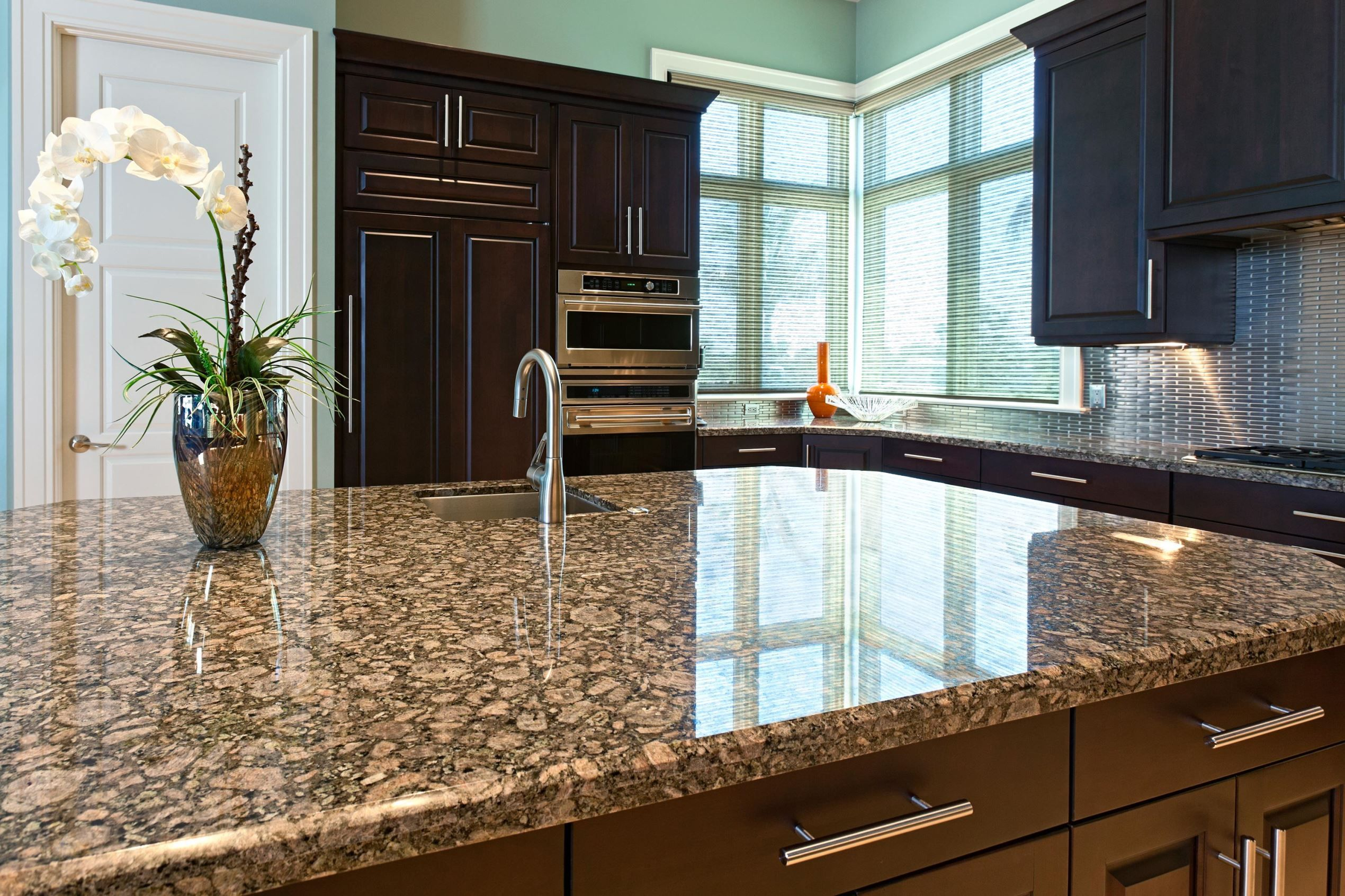 Granite Countertop To Thoroughly Clean A Granite Countertop, Isopropyl  Alcohol Will Do The Trick