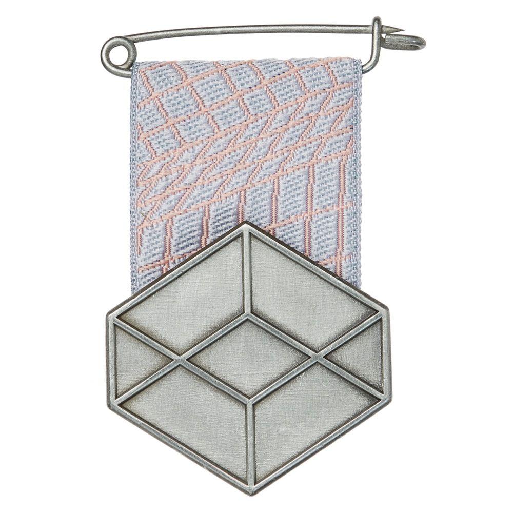 Medal 'Eremetaal' by Studio Mianne de Vries. €25