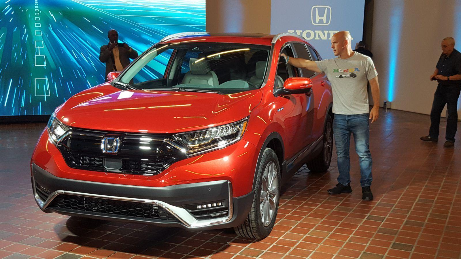Honda Unveils 2020 CRV Hybrid, Brings AllWheel Drive To