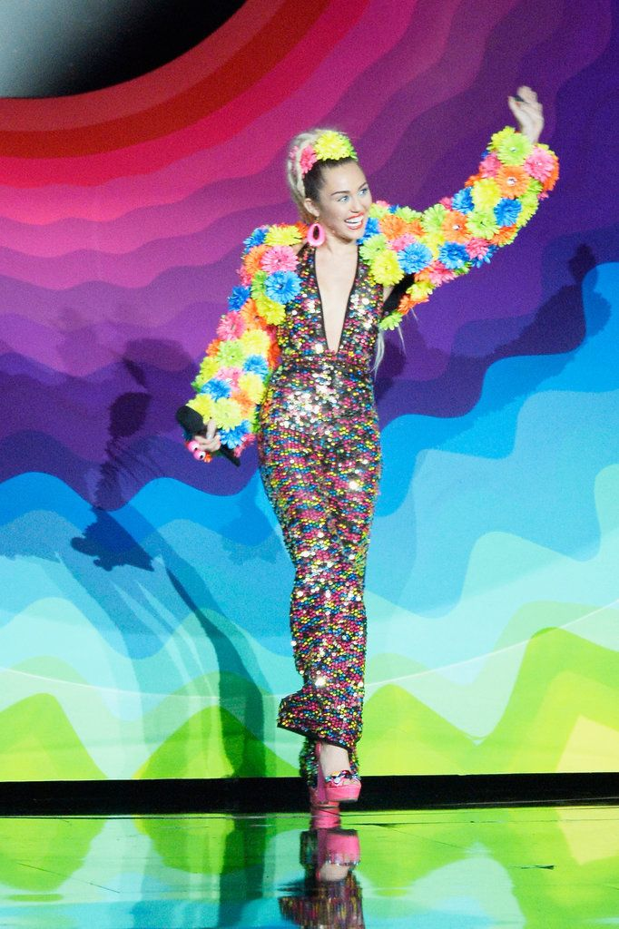 Miley Cyrus Halloween Costume Ideas 2015 | POPSUGAR Celebrity  sc 1 st  Pinterest & Mileyu0027s Many VMAs Looks Make Pretty Perfect Halloween Inspiration ...