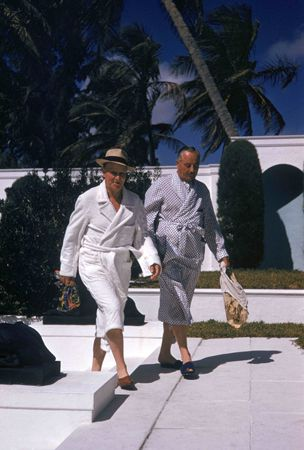 at c.z.'s house : slim aarons.