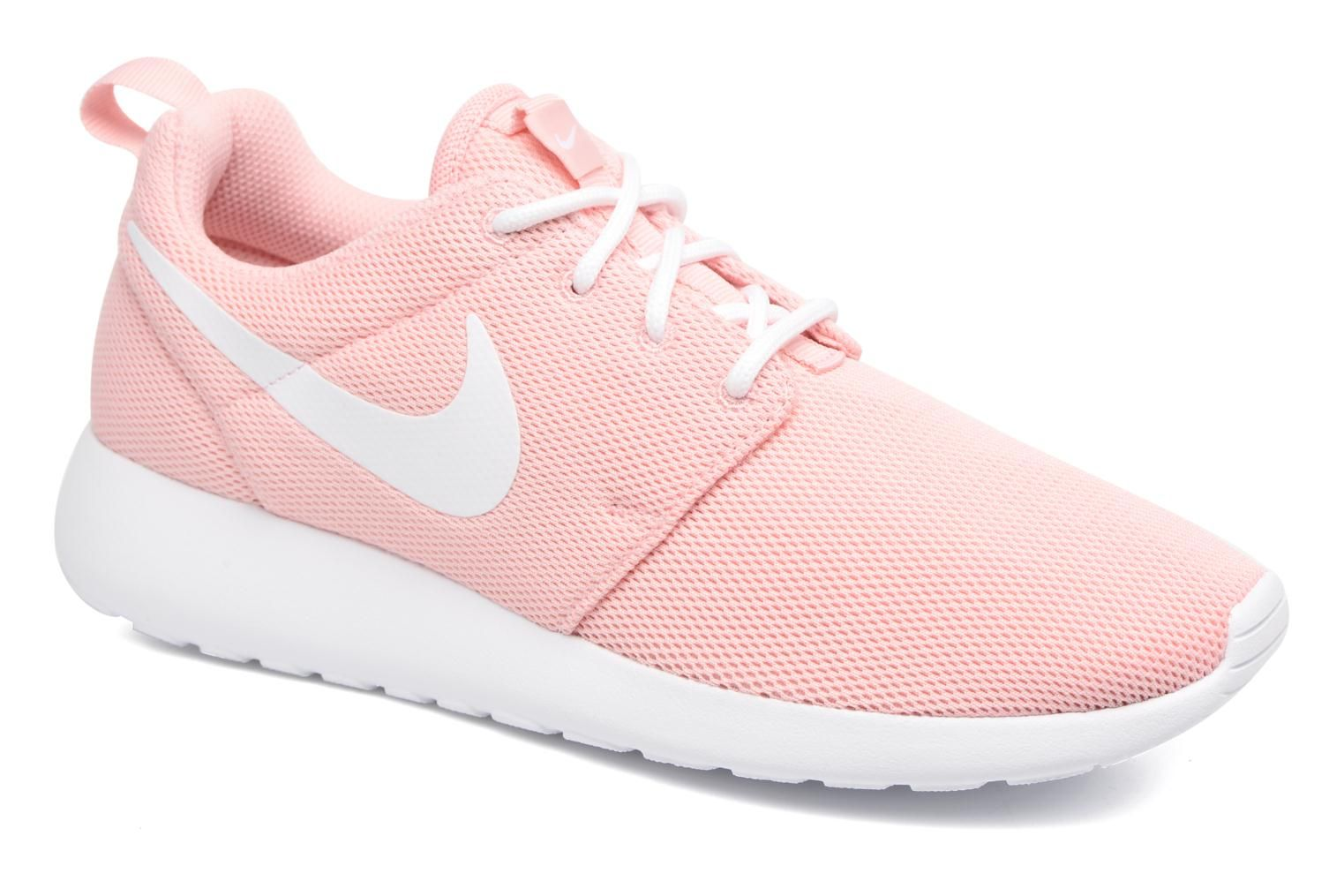check out 6f446 4974b Wmns Nike Roshe One by Nike. ¡Envío GRATIS en 48hr! Deportivas Nike  (Mujer), disponible en 383942 , deportivas, sport, deporte, deportivo,  fitness, ...