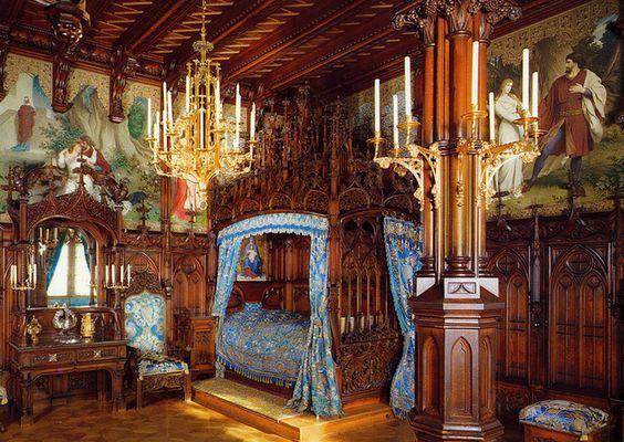 Schloss Neuschwanstein Burgen Und Schlosser And Bayern On Pinterest Castles Interior Castle Bedroom Neuschwanstein Castle
