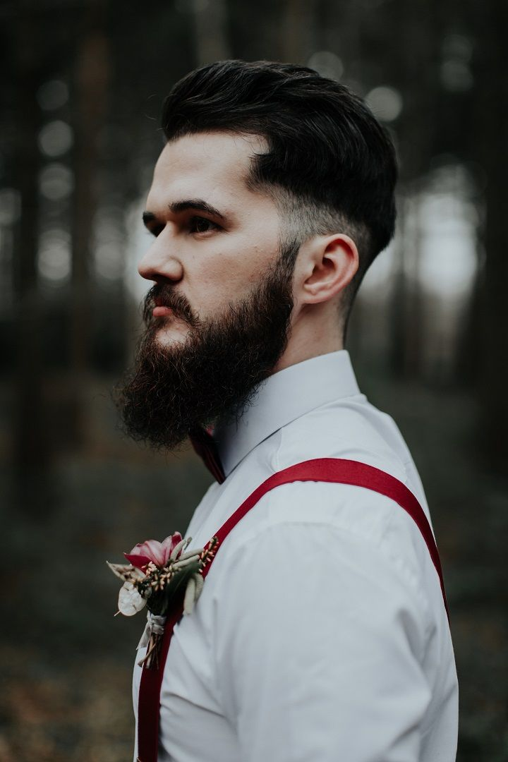 Groom style for woodland wedding | fabmood.com #wedding #woodlandwedding #redwedding #autumnwedding