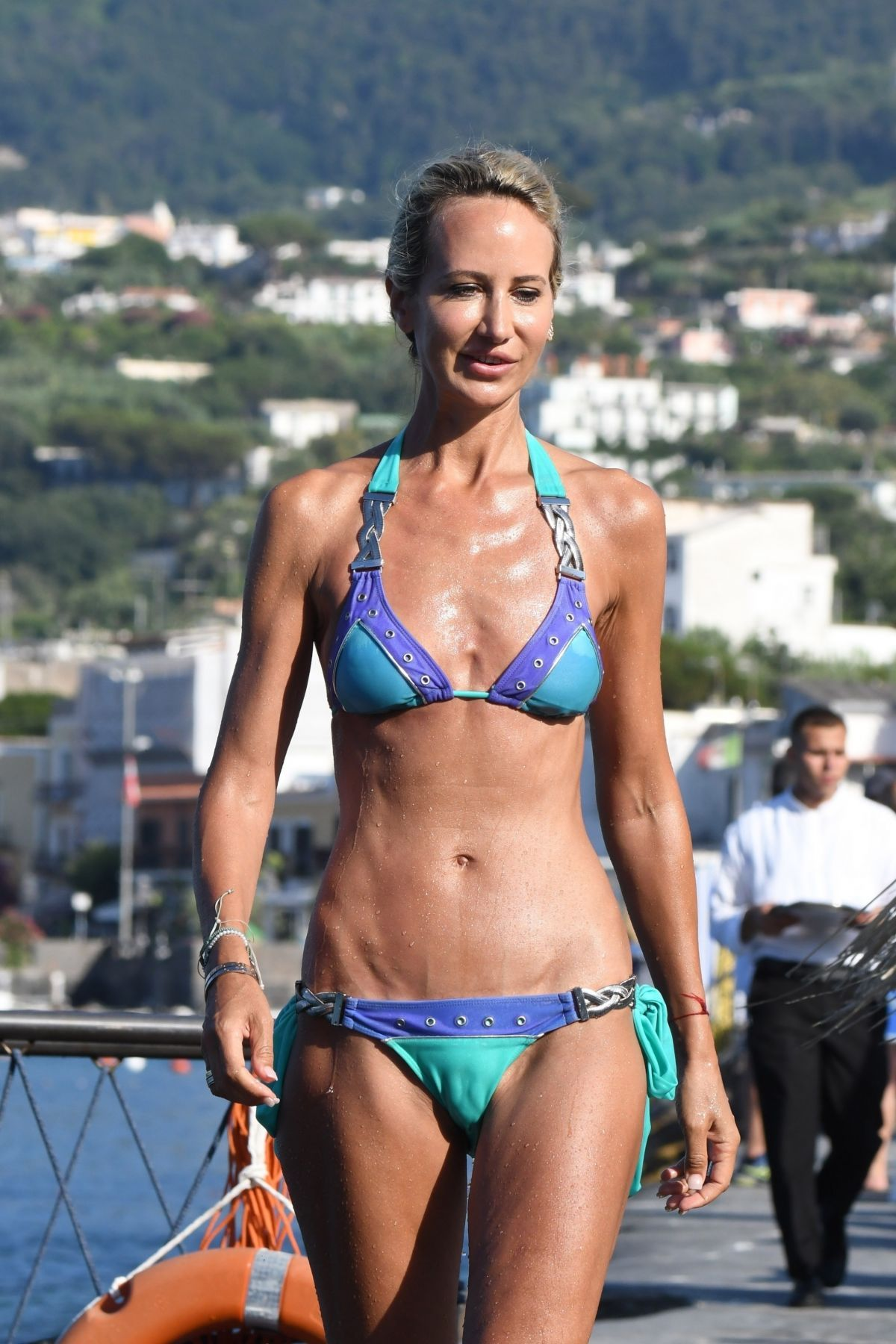 Bikini Victoria Hervey nude (98 photos), Topless, Sideboobs, Boobs, butt 2020
