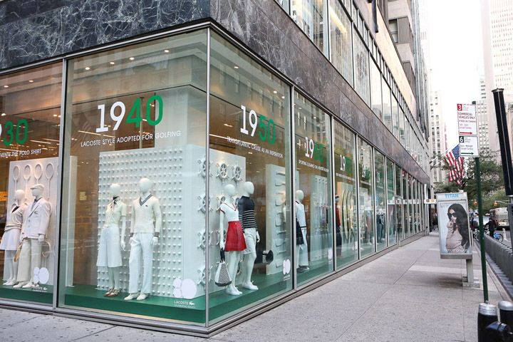 9e79863ad5a0c Expositores De Loja · Armários · Lacoste interactive windows by M Crown  Productions New York 02 Lacoste interactive windows by M Crown