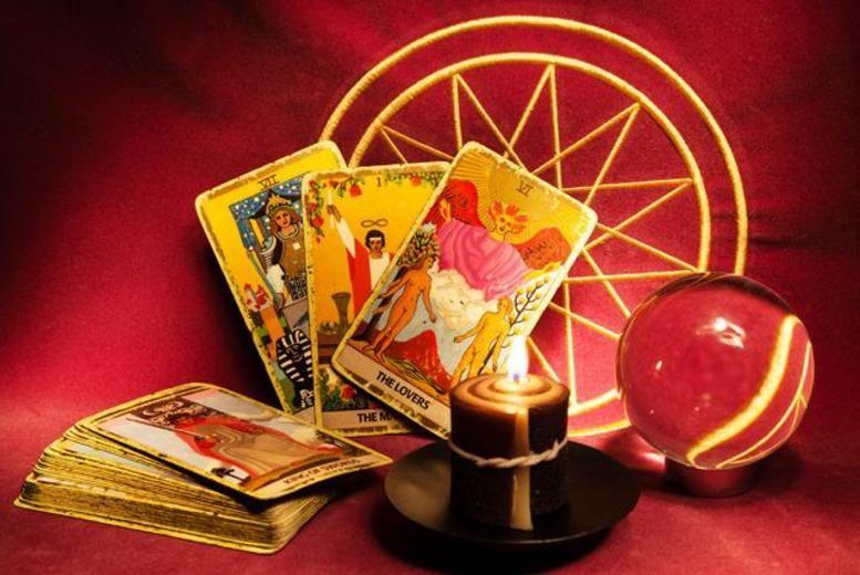 Tarot Card Reading on wowcher £10