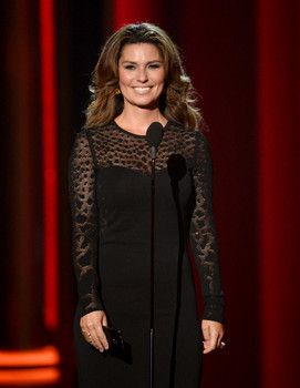 Awesome Shania Twain Talks Spouse Swap Says She May Not Talk About To Ex Bff Marie Anne Thiebaud Check More At Http W Celebrities Country Music Shania Twain