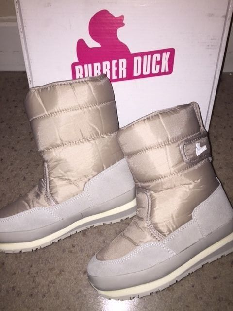 NWT Rubber Duck Kids Classic Snow