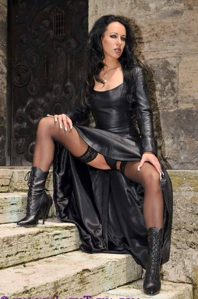 leder lack und latex aus deutschland kevin 39 s lane pinterest latex gothic and leather. Black Bedroom Furniture Sets. Home Design Ideas