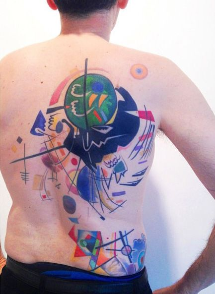 With Skin As Canvas, Artist Tattoos Abstract 'Modern Art' On Bodies - DesignTAXI.com