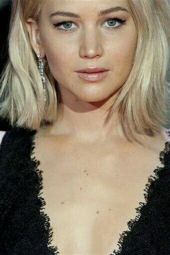 Jennifer Lawrence #MockingjayPart2 premiere Madrid Spain.