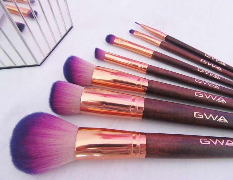 """I'm sure you can all agree that they're absolutely gorgeous, and although I haven't tried them yet, they're the softest things I've ever felt in my life!"" @brightongirlprobs #makeupbrushes #gwalondon"