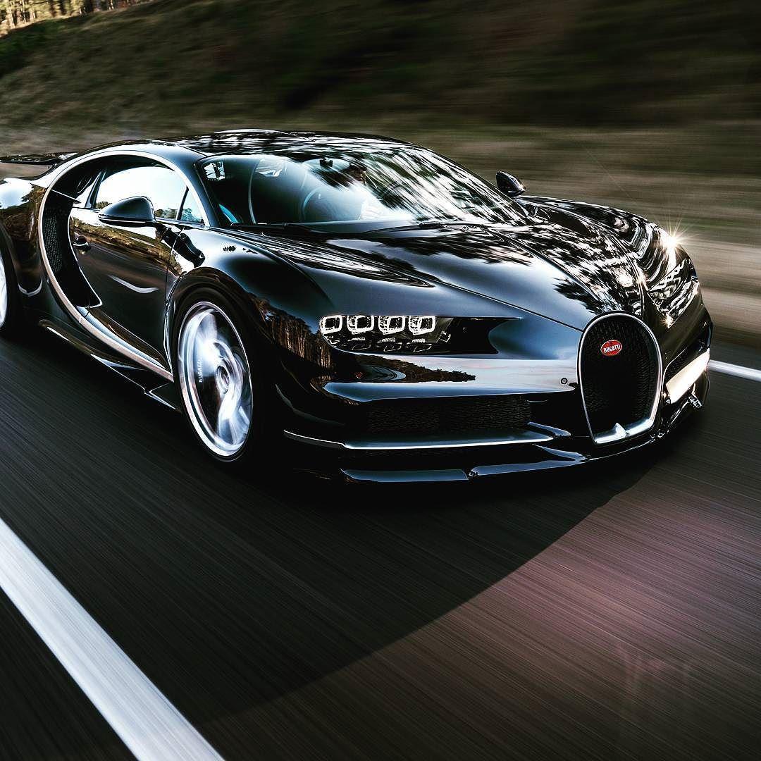 2016 Geneva Motor Show Bugatti Chiron First Look: Bugatti Chiron Black, Bugatti
