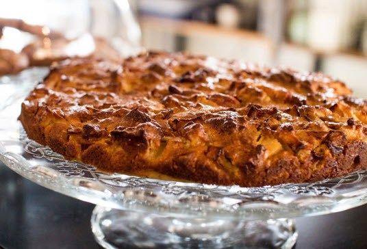 كوموند كيكة التفاح بالقرفة المفضلة عند كلياني مكوناتها بسيطة بنتها لا تقاوم بحجم كبير ذكر تمن البيع Youtube Eid Cake Recipes Food